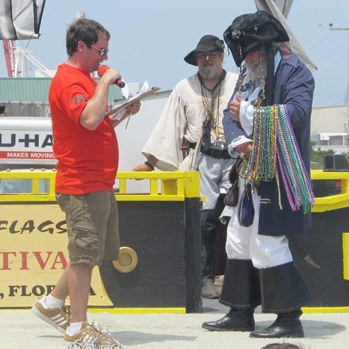 2012-Sunday-pirate-costume-contest